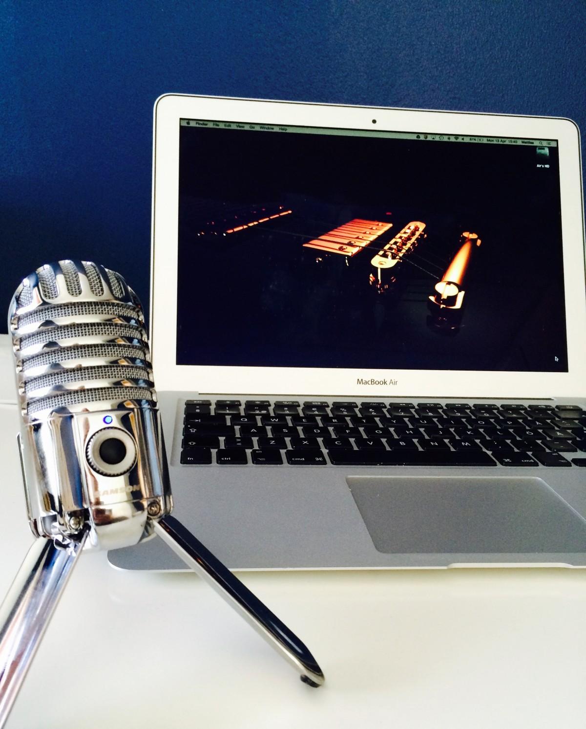 Samson Meteor and MacBook Air in sweet harmony